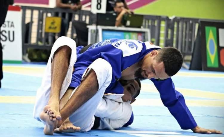 Atleta apoiado pela Unijuí participará de competições de Jiu